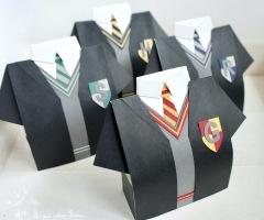 """<a href=""""https://hausvollerideen.de/harry-potter-version-der-hemdenbox/"""" rel=""""noopener noreferrer"""" target=""""_blank"""">Harry Potter Hemdenbox</a>"""
